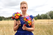 colourful-bridesmaid-flowers-lilygrace-flowers-tuli-king-photography