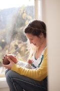 mother-and-baby-natural-light