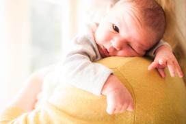 baby-on-shoulder