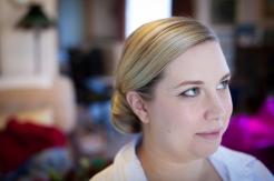 bridesmaid-putting-on-makeup