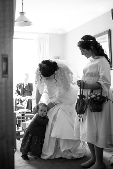 bride-with-children