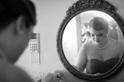 bridesmaid-in-mirro