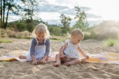 sisters-in-the-sand